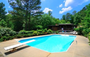 Beautiful Pool with Diving Board - Pool Repair